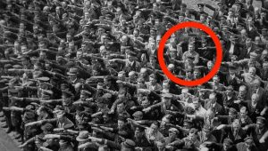 August Landmesser, refus salut nazi